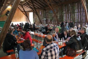 Trotz Wetter gut besuchtes Grillfest in Poigenberg
